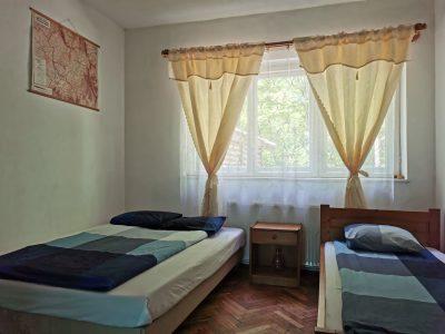 Camere cu pat matrimonial și pat simplu