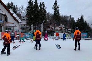 Învață să schiezi